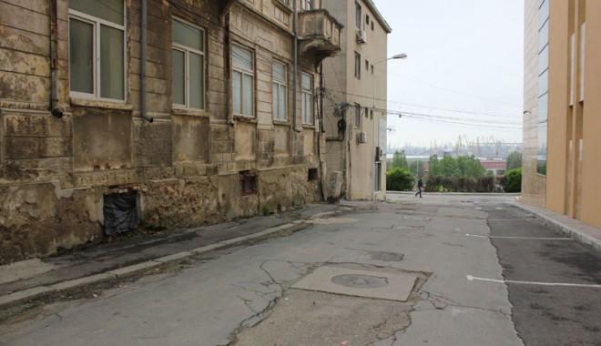 Foto: Ruşinea ascunsă pe străduţele Peninsulei