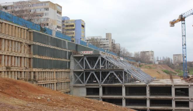 Foto: Mall-ul de pe strada Traian va fi finalizat. S-au reluat lucrările la World Trade Center