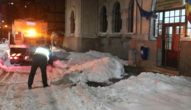 Străzile şi aleile din apropierea şcolilor şi grădiniţelor, curăţate de zăpadă - strazilesialeilescoli1-1520008672.jpg