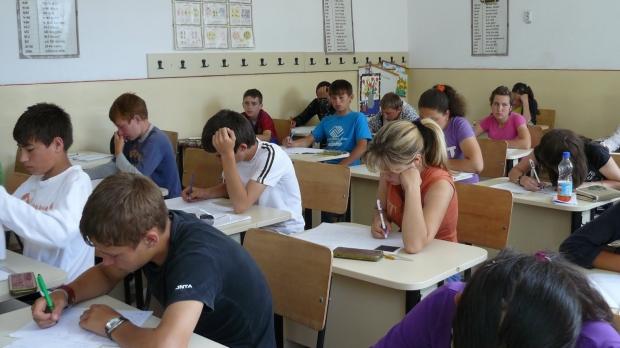 Foto: EVALUARE NAȚIONALĂ 2019. Ore suplimentare pentru elevii cu note mici la simulare