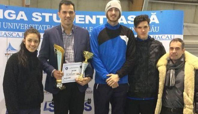 """Foto: Studenţii de la """"Ovidius"""", pe primul loc la Naţionalele Universitare de Atletism"""