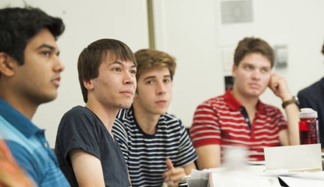 Foto: Studenţii constănţeni,  în practică la companiile private