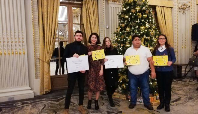 Foto: Dovadă de profesionalism! Studenţii  de la Jurnalism, premiaţi la Gala EFOR