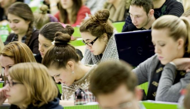 Foto: 20 de ani de când studenţii beneficiază de programul Erasmus
