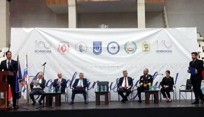 """Foto: """"Constanţa are turism, port, dar nu este un centru universitar"""""""