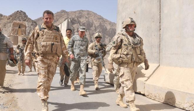 Foto: SUA şi NATO îşi vor extinde misiunea de pregătire  a forţelor afgane