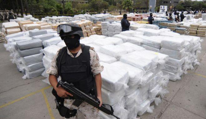 Foto: SUA şi Mexic vor înfiinţa o echipă comună  pentru a lupta împotriva cartelurilor de droguri
