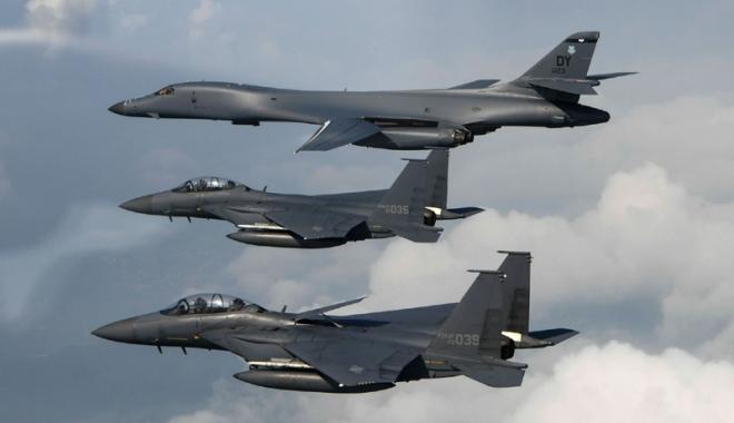 Foto: SUA nu mai au ce discuta: Primele imagini cu bombardiere B-1B în Coreea!