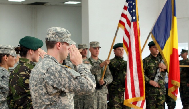 Foto: SUA vor să desfăşoare trupe în estul Europei. România, centrul de comandă?