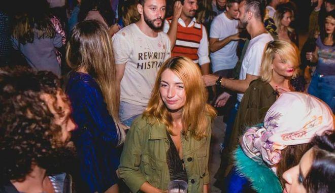 """Foto: Haideţi în Vama Veche! """"Suburbia 11"""" vă aşteaptă la concert"""