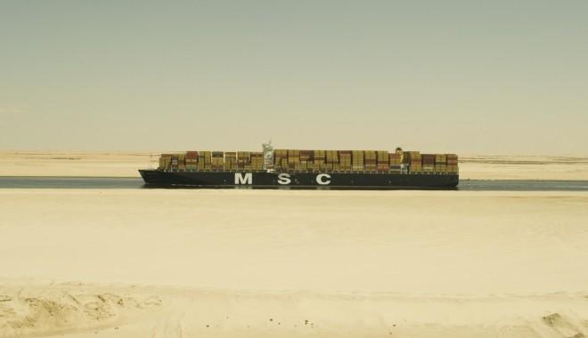 Foto: 80.000 de soldaţi asigură securitatea Canalului Suez
