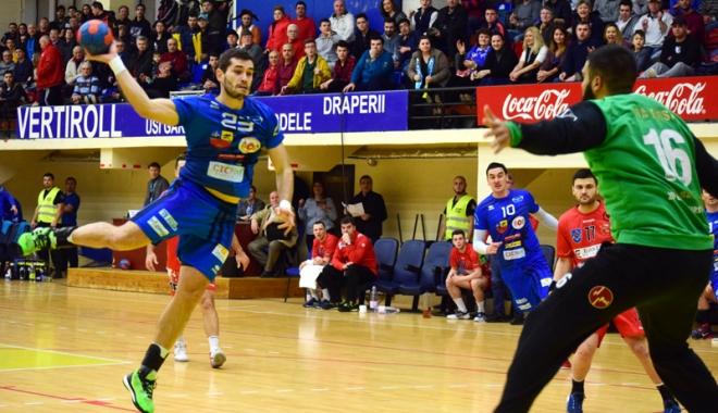 Foto: Mergem la Bucureşti! Suporterii constănţeni, alături de HC Dobrogea Sud
