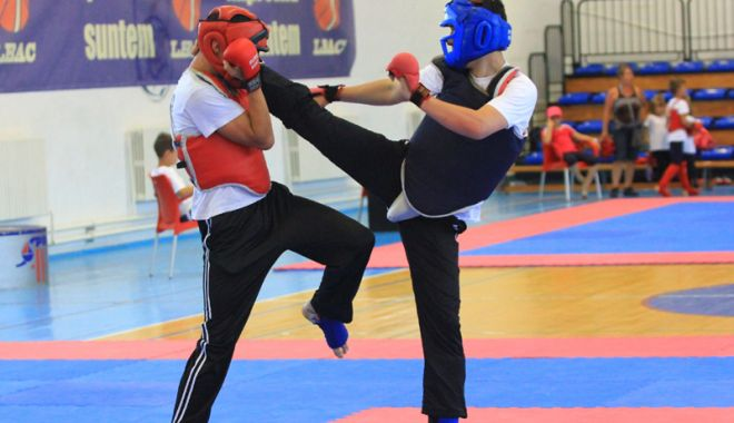 """Foto: Surprizele """"Judeţenelor"""" de Kung Fu şi Karate Kyokushin"""