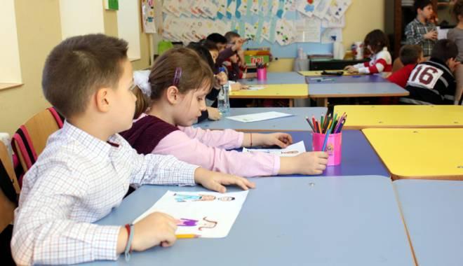 Foto: Sabotaj la înscrierea în clasa pregătitoare? Directorii constănţeni se opun listelor învăţătoarelor
