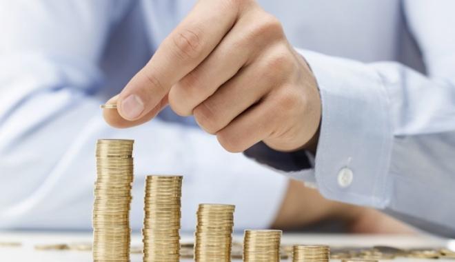 Foto: Pensiile viitoare, tăiate! Salariul minim, mărit cu 100 de euro