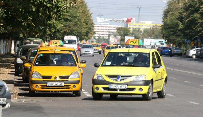 Foto: Taximetriştii din Constanţa, marş de protest