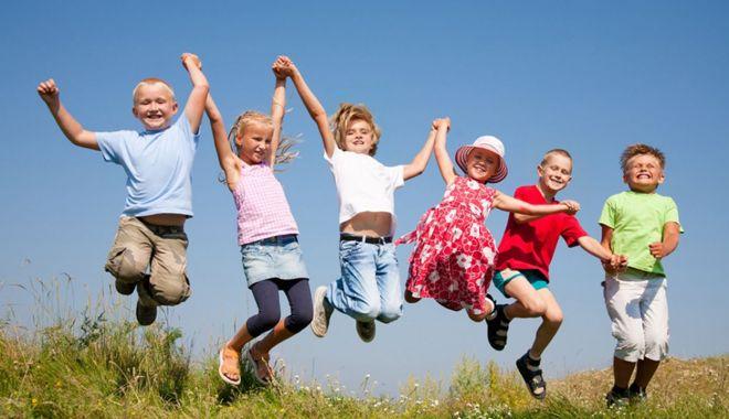 Vacanţă de primăvară de o lună de zile. Când se vor întoarce copiii la şcoală - sus-1617382064.jpg