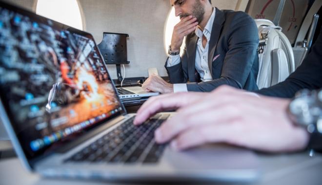 """Foto: Suspiciuni de atac terorist, la bordul navelor.  """"Zeci de celule jihadiste discută să atace aviaţia"""""""