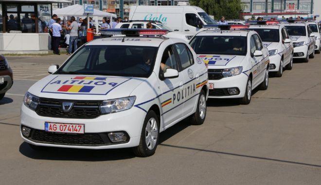 Foto: Sute de autospeciale noi intră în dotarea Poliţiei