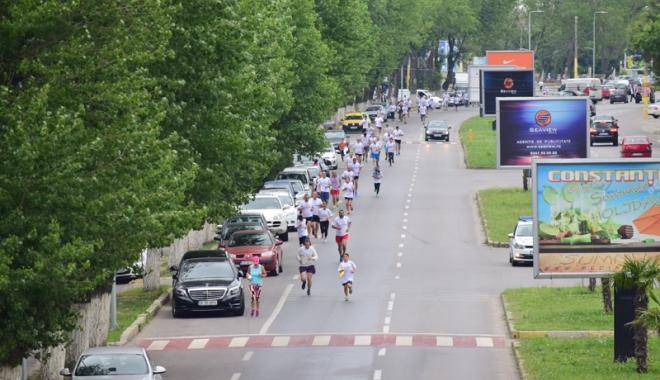 Sute de alergători, la ediţia jubiliară a Crosului Naţional Olimpic - sute1-1497788779.jpg