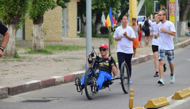 Sute de alergători, la ediţia jubiliară a Crosului Naţional Olimpic - sute2-1497788858.jpg