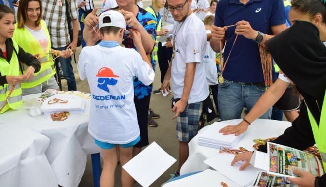 Sute de alergători, la ediţia jubiliară a Crosului Naţional Olimpic - sute7-1497788909.jpg