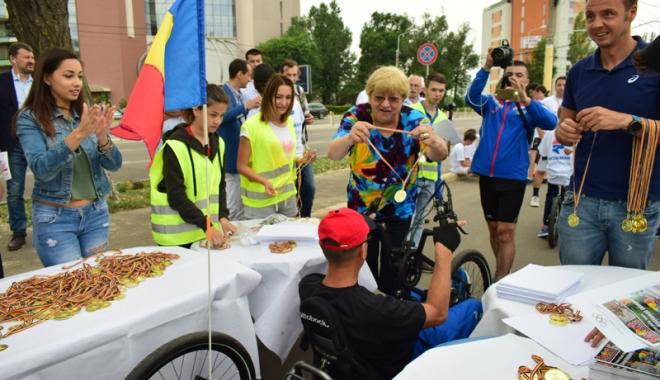 Sute de alergători, la ediţia jubiliară a Crosului Naţional Olimpic - sute8-1497788919.jpg