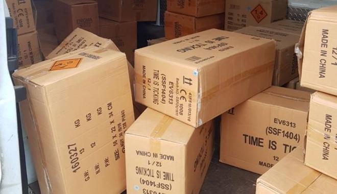 Foto: Sute de kilograme de articole pirotehnice, confiscate  de poliţiştii constănţeni