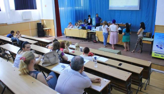 Foto: Sute de catedre aşteaptă să fie ocupate, la Constanţa. Deficit de educatori şi învăţători