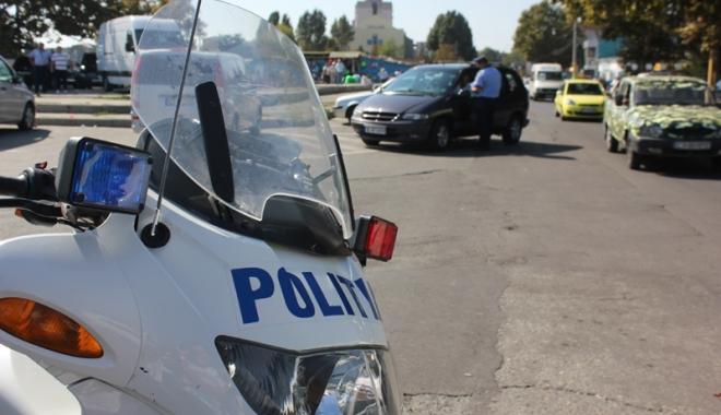 Foto: Sute de poliţişti vor asigura protecţia la Ziua Marinei Române