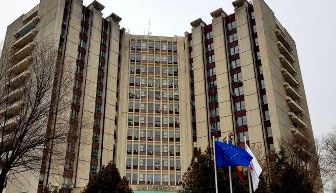 Foto: Premieră într-un spital public din România! Operație la inimă printr-o deschidere de numai 5 cm