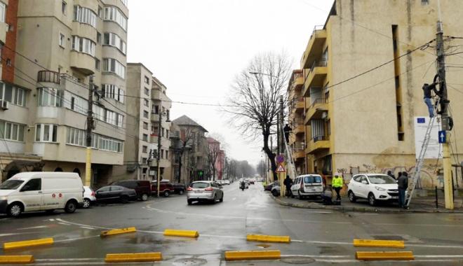 Foto: Primăria Constanţa a dispus îndepărtarea cablurilor aeriene