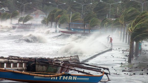 Foto: Japonia / Taifunul Neoguri a ajuns pe insula Kyushu