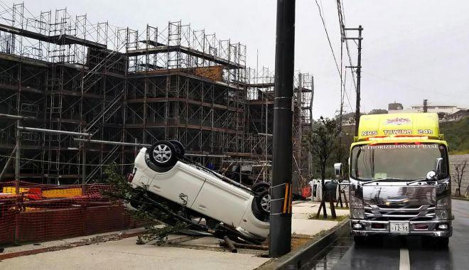 Foto: DEZASTRU după taifunul Trami. Doi MORȚI și peste 120 de răniți