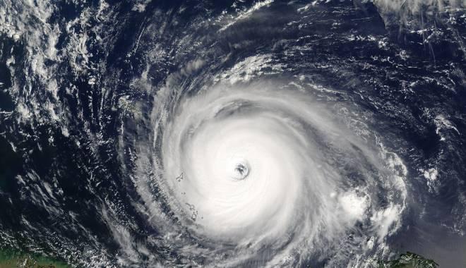 Foto: Măsuri de urgență, înainte de venirea taifunului Dujuan