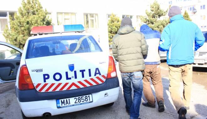 Foto: Minor de 15 ani, din Constanţa, reţinut pentru furtul a două telefoane mobile