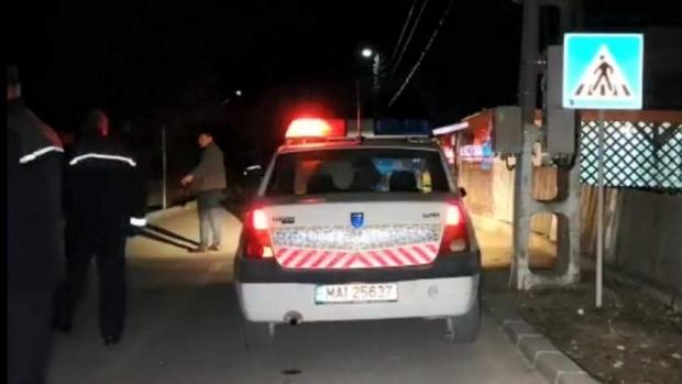 Foto: Femeie împuşcată în cap de un poliţist! Echipajul urmărea un şofer care nu oprise la semnale<br>