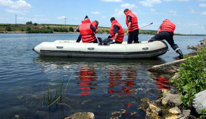 Foto: UPDATE. Alertă 112. Cadavru pe Canalul Dunăre Marea Neagră!
