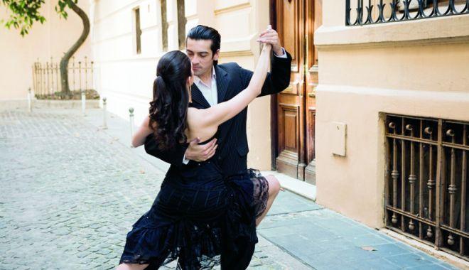 Foto: Vă place tangoul? Veniți pe faleza Cazinoului!