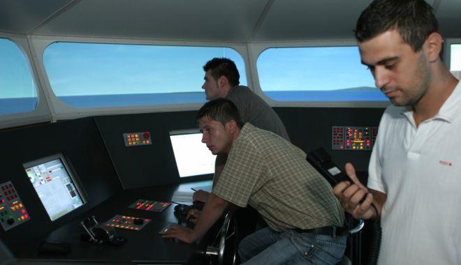 Foto: Târg de joburi pentru viitorii navigatori, organizat de UMC