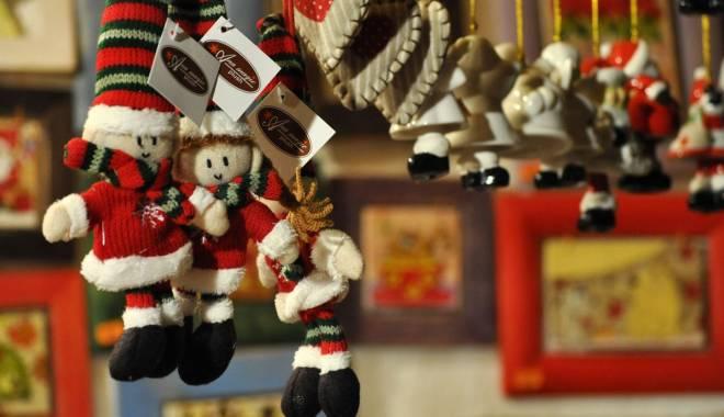 Foto: Târg de Crăciun realizat de elevii din 23 August