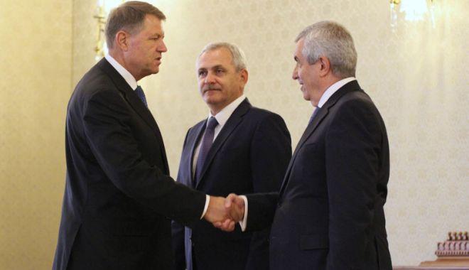 """Foto: """"Dacă Iohannis nu o revocă pe Kovesi îşi va semna singur sentința"""""""