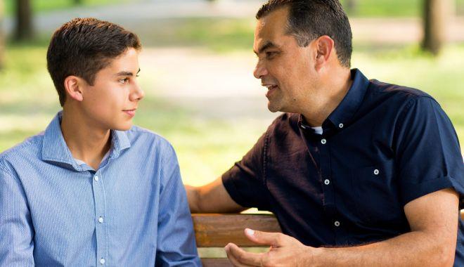 Foto: Tatăl, fiul și Noul Testament