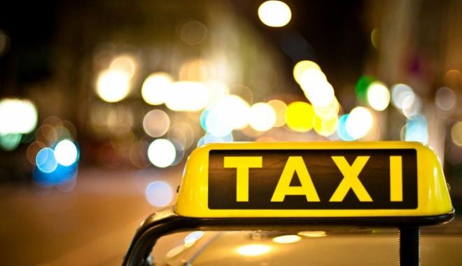 Foto: Poliţiştii rutieri au pus parul pe taximetrişti