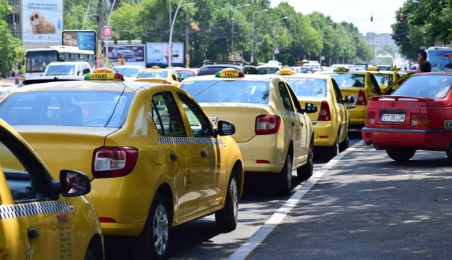 Taximetriştii din Constanţa, marş de protest - taximetristii1-1513013304.jpg
