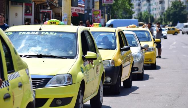 Taximetriştii din Constanţa, marş de protest - taximetristii2-1513013312.jpg