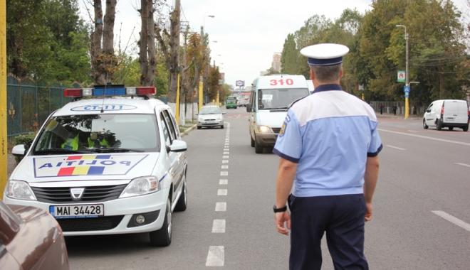 Foto: Se �ngroa�� teancul de dosare penale. �oferii din Constan�a au �ntrecut m�sura