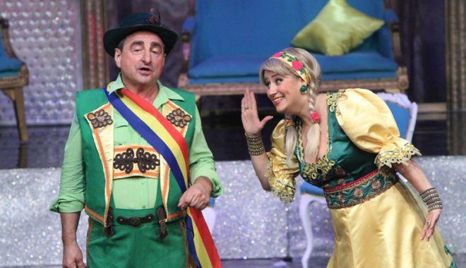 Foto: Vasile Muraru, pe scena  Teatrului de Stat Constanța