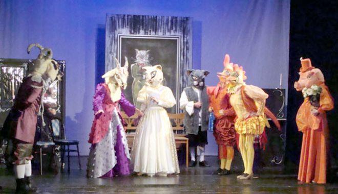 Foto: Teatrul de copii pleacă la Galaţi