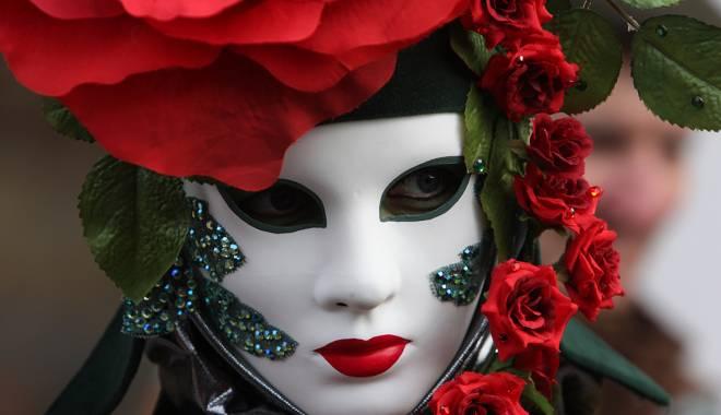 Ce spectacole vor fi în week-end, la Teatrul de Stat din Constanţa - teatrucumasti-1450276282.jpg